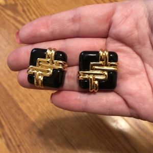 Avon black gold stud